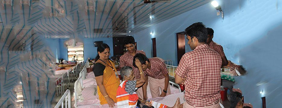Amritam Project - Visit old age home